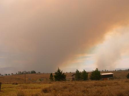11 Hs el fuego cambia de direccion rumbo a Villa Yacanto
